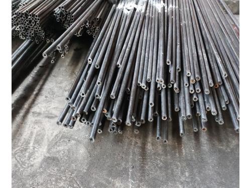 Cắt ống thép dày 1.0mm