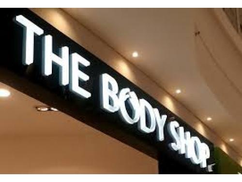 Chữ nổi Mica bảng hiệu The Body Shop