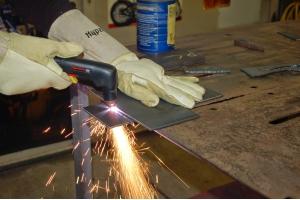 Cắt CNC kim loại – Gia công chuyên nghiệp